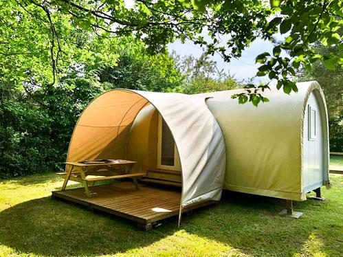 extérieur cocorico insolite camping près étang